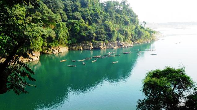 Dawki: Friendly International Border & A Hidden Paradise
