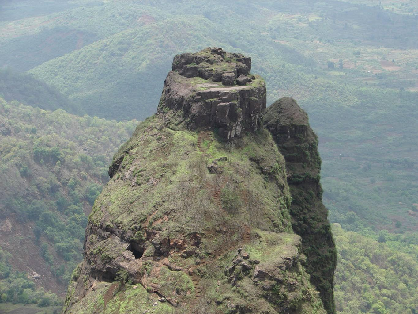 Kalavantin Durg (FORT)